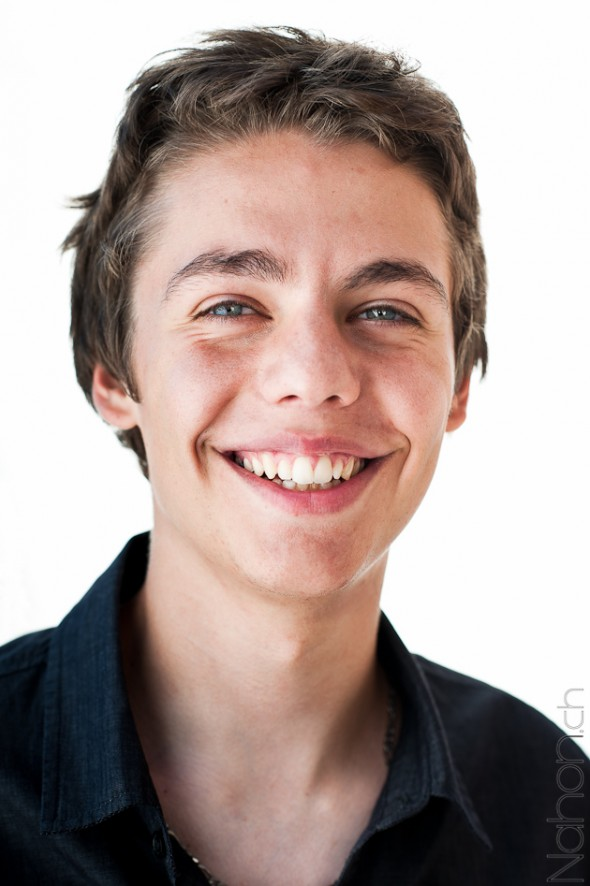 Students Challenge Portrait fond blanc