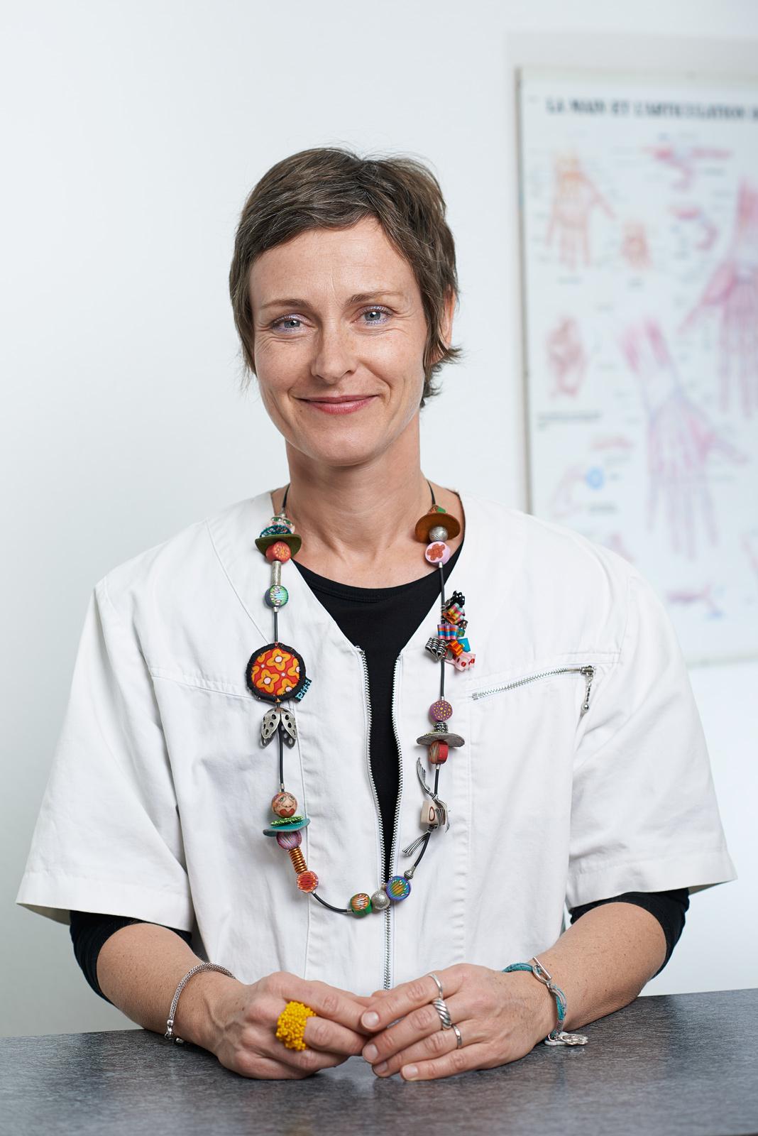Portrait Médical d'une femme dans un cabinet d'ergothérapie