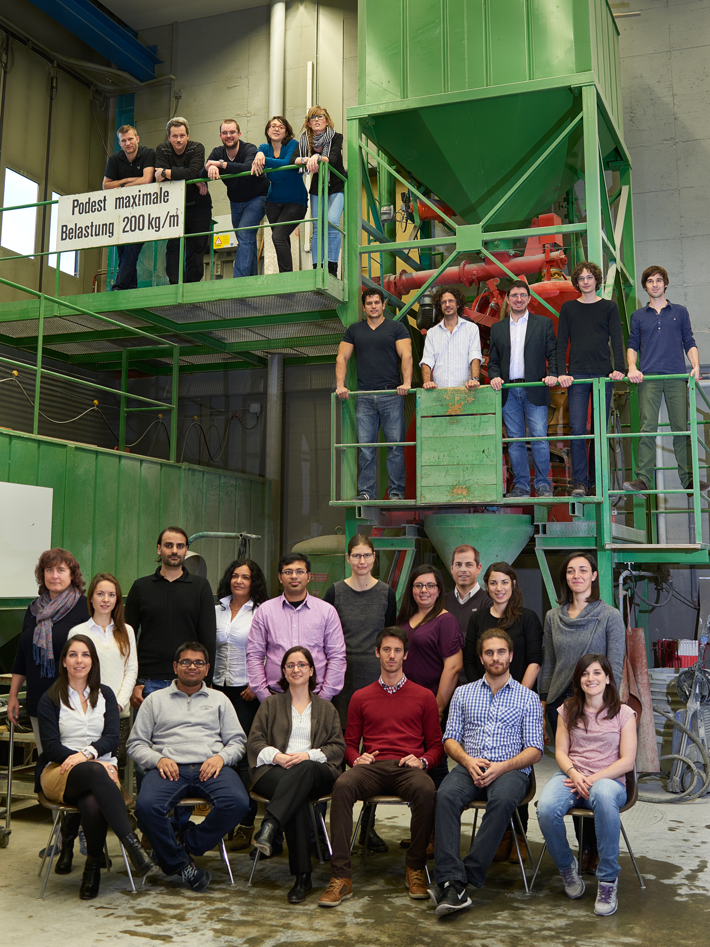 Photo de groupe du laboratoire PCBM à l'ETH Zürich