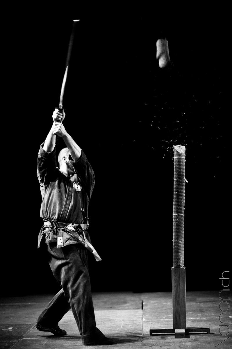 Photographie d'un coup de katana lors de Japan Impact 2012 à Lausanne
