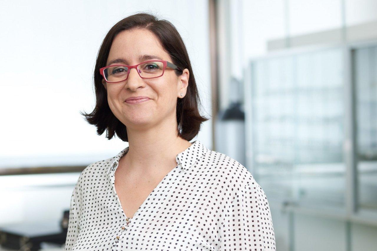 Portrait d'une chercheuse au laboratoire PCBM à l'ETH Zürich